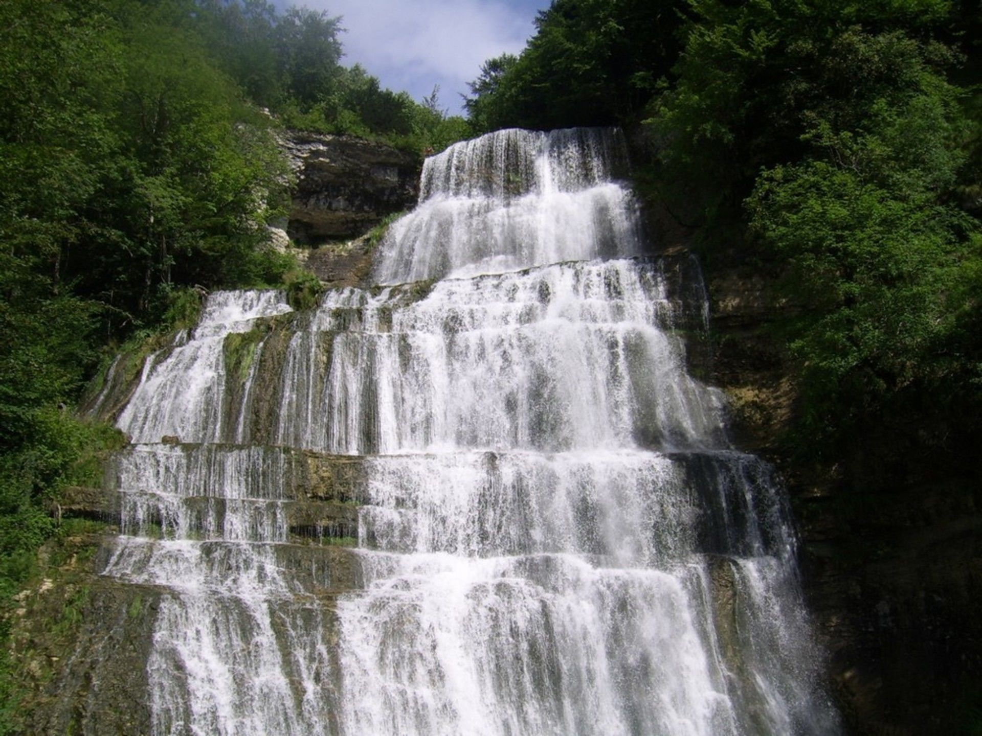 le long des cascades Hérisson